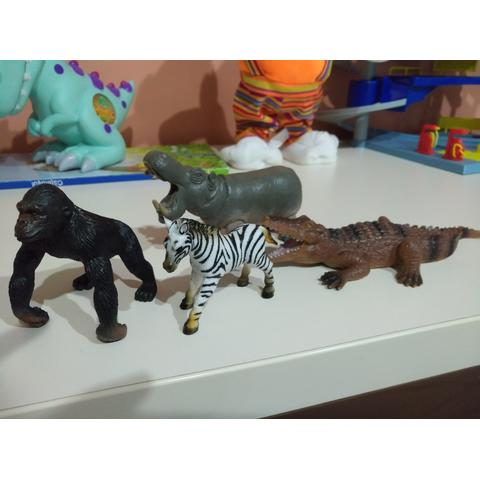 National Geographic Set 4 figurine - Gorila, Crocodil, Pui Zebra si Hipopotam